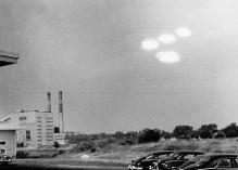 4 ufo in formazione